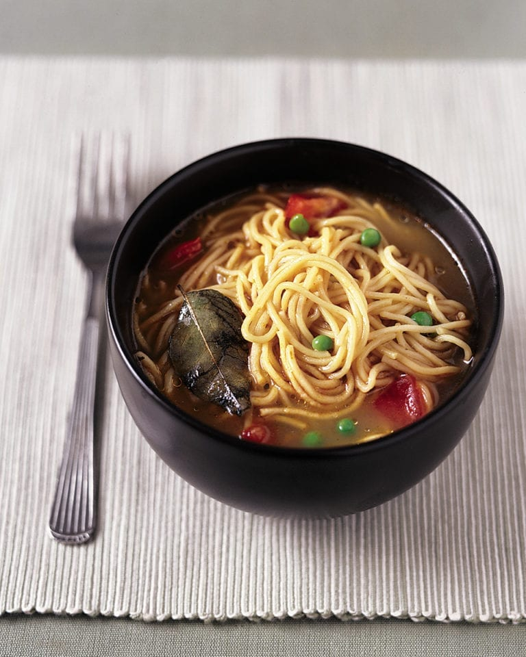 Quick curried noodles