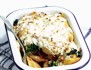 Cheat's vegetarian moussaka pasta bake