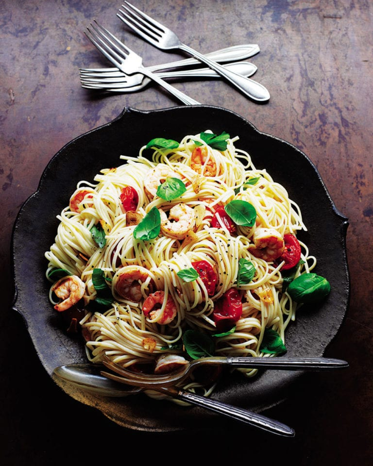 Linguine with roasted tomatoes, prawns, garlic and basil