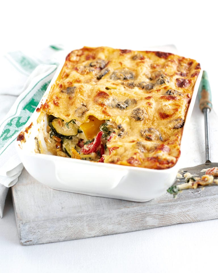 Summer veggie lasagne with blue cheese