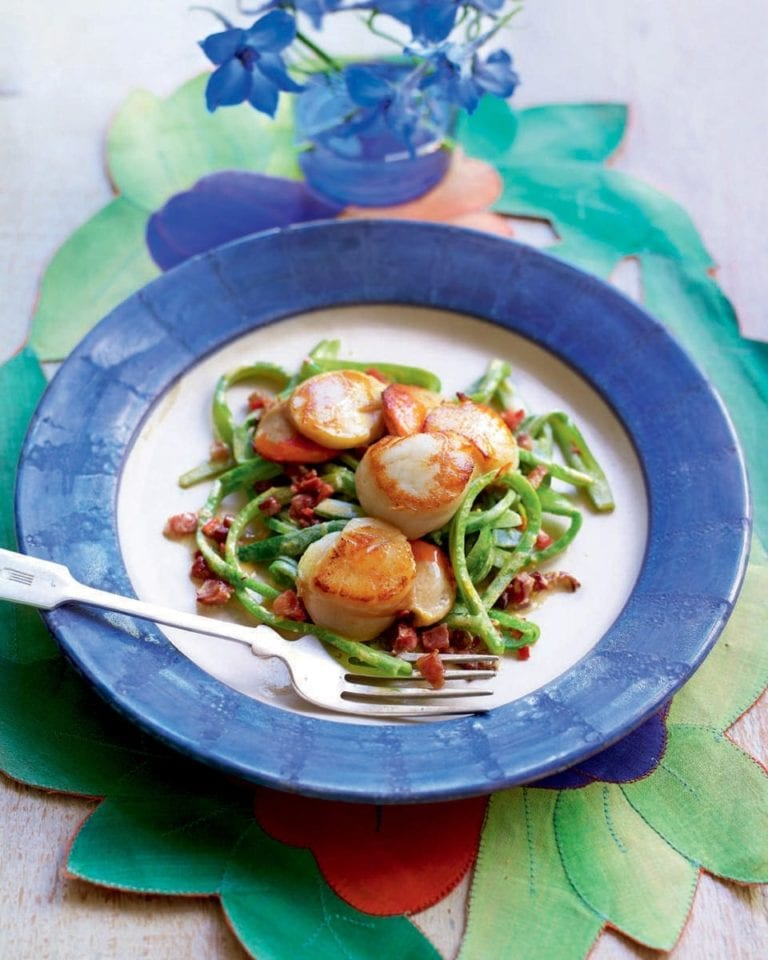 Pan-fried scallops with runner-bean 'spaghetti'