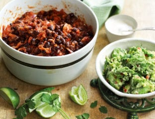 Chipotle black bean chilli with guacamole