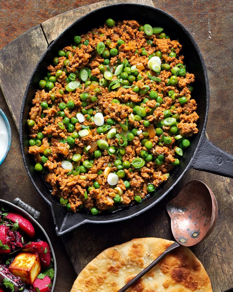 Lamb keema with flatbreads