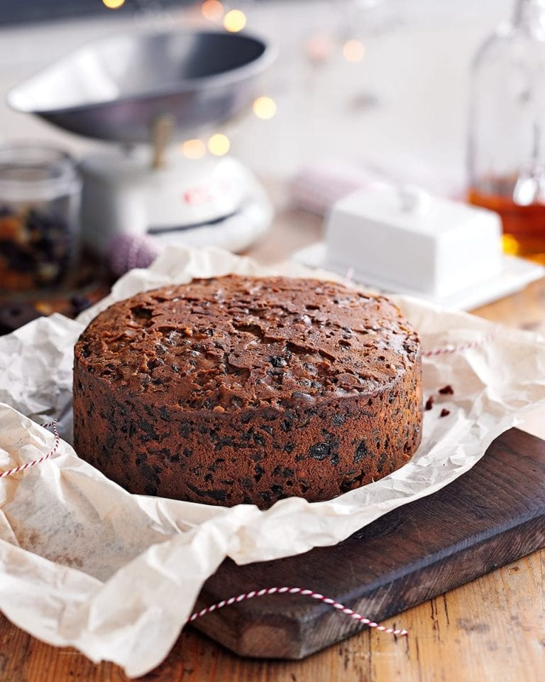 Christmas Fruit Cake.Mary Berry S Rich Fruit Christmas Cake