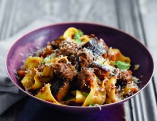 Aubergine ragù with meatballs and pappardelle