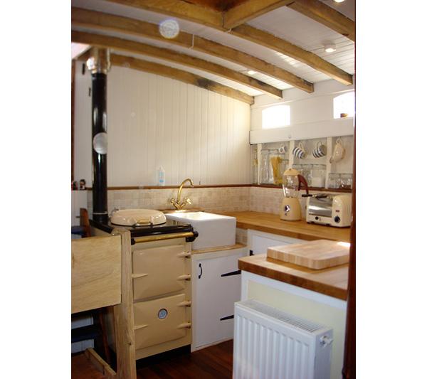 Susan-Smillie-kitchen