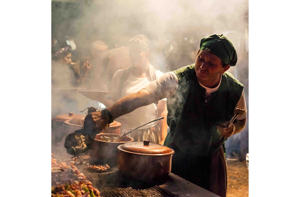 Food-for-Celebration--Mark-Benham-(UK)---Food-Stall,-Medieval-Festival