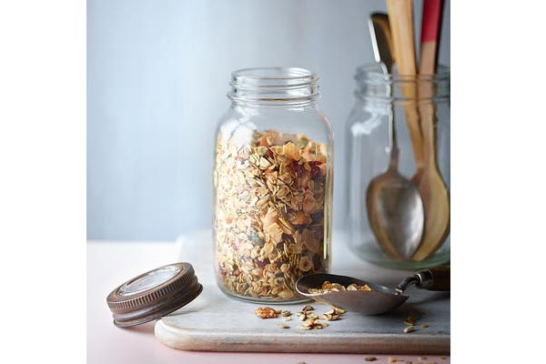 Low-sugar-coconut-granola