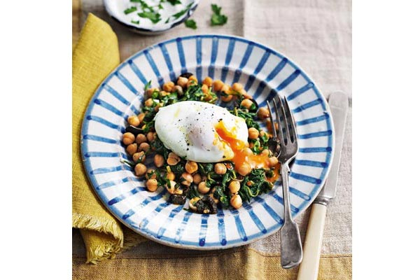 Poached-eggs-with-harissa-chickpeas-and-garlic-yogurt