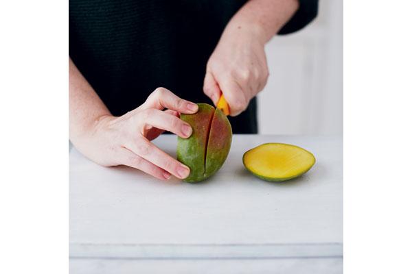 Preparing-a-ripe-mango-1