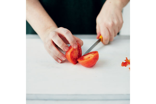 How-to-peel-and-chop-a-tomato-3