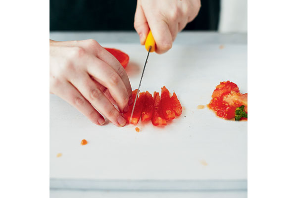 How-to-peel-and-chop-a-tomato-5