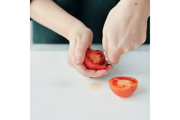 How-to-peel-and-chop-a-tomato-4