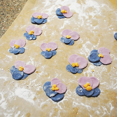 homemade fondant violets