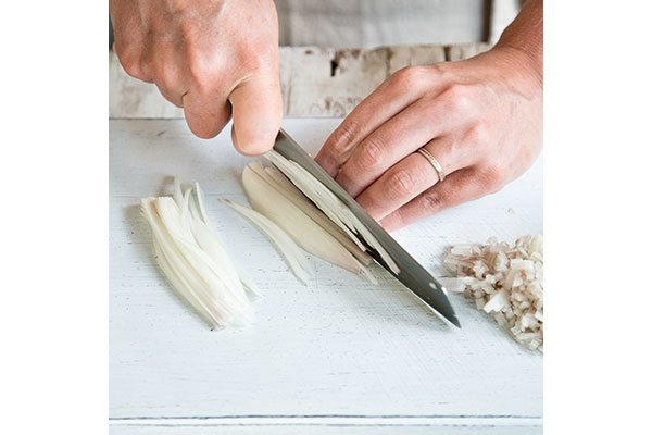 How-to-chop-a-shallot-2