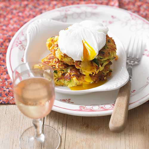 vegetable fritter with poached egg