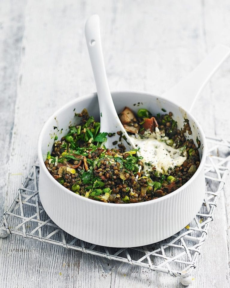 Quick bacon, pea and spinach lentils