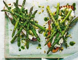Griddled asparagus and goat's cheese toast