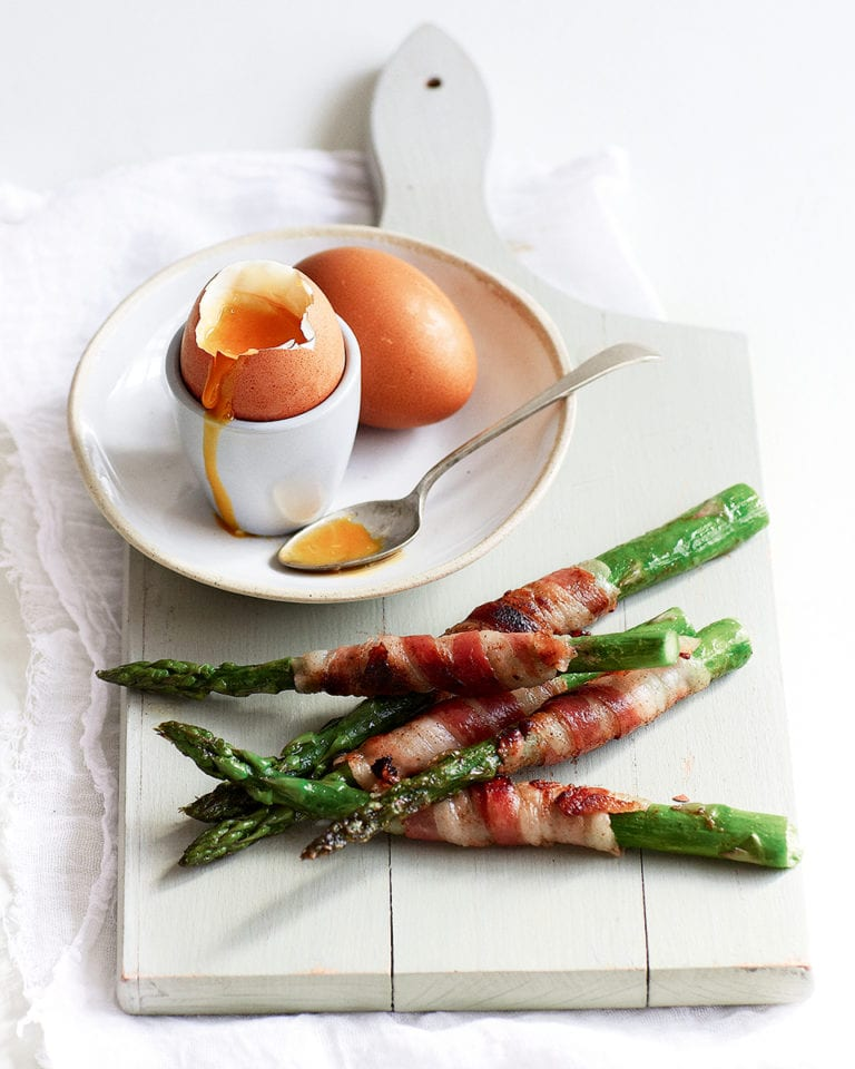 Asparagus and pancetta soldiers with soft-boiled eggs