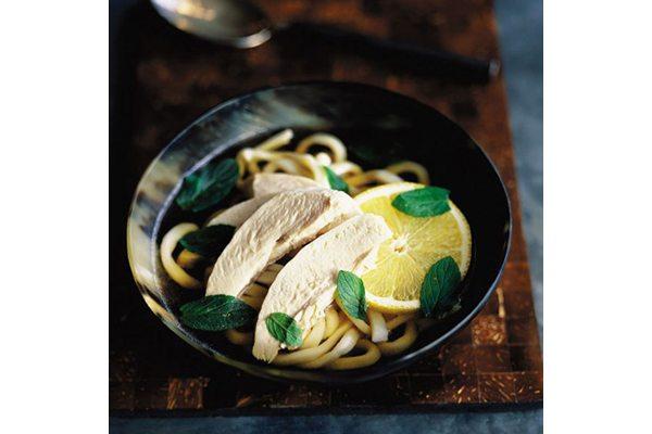 Chicken-lemon-noodle-soup-300-cal