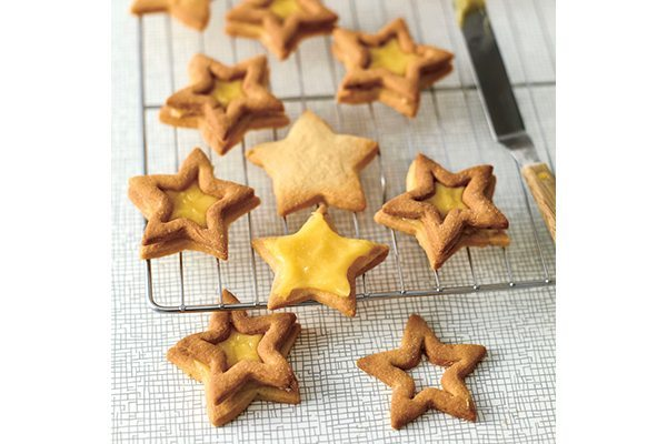 Baking-with-kids-1