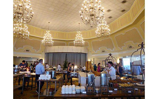 Hotel-del-Coronado-brunch