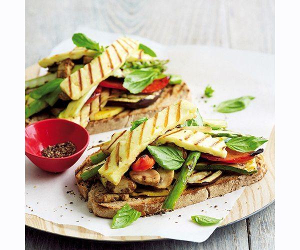 Grilled-veg-halloumi-bruschetta