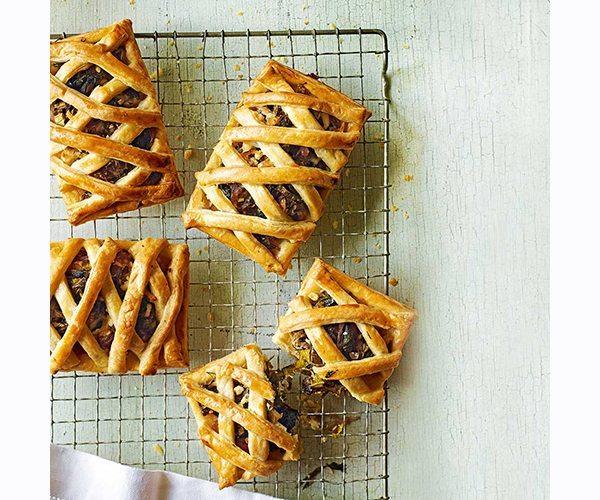 greek-cheese-and-veg-lattice-tarts