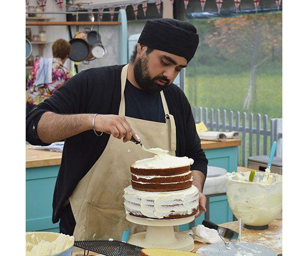 rav-with-cake