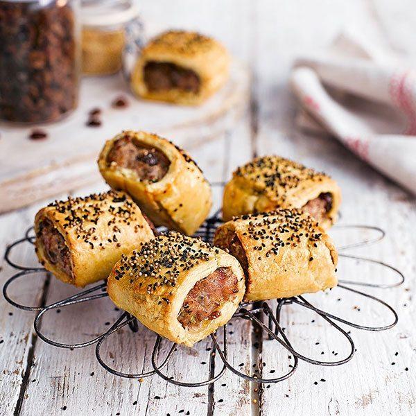 Festive-sausge-rolls-with-ham