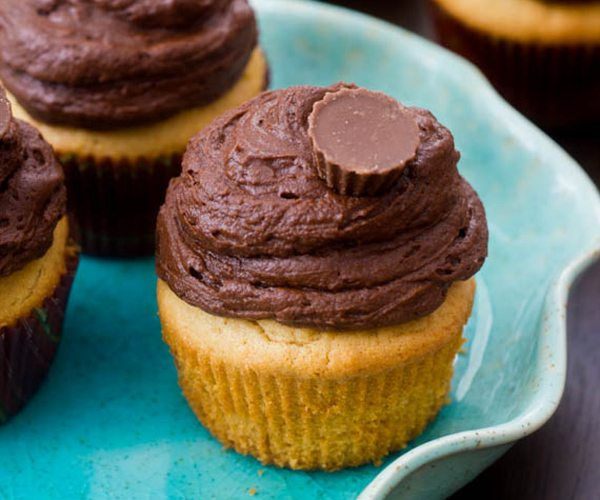 Peanut-Butter-Cupcakes-with-Dark-Chocolate-Frosting-7