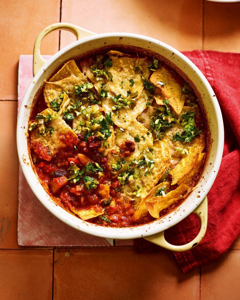 Quorn Chilli Con Carne >> Veggie chilli with nachos - delicious. magazine