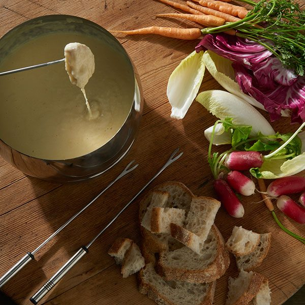 Fondue-with-crudites