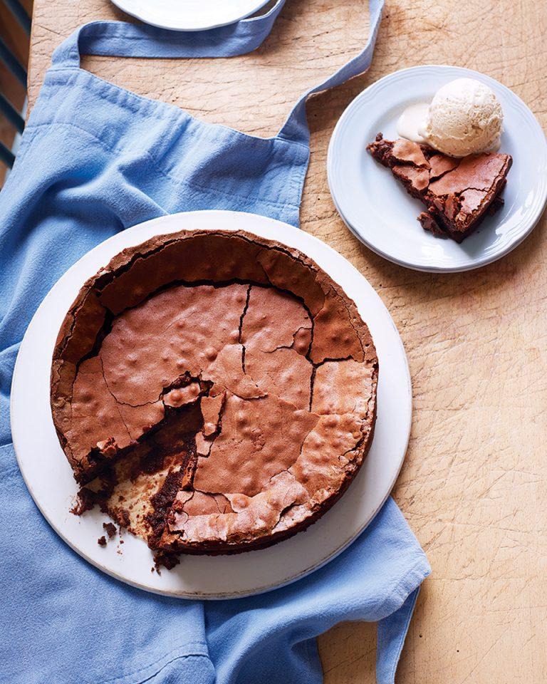Easy flourless chocolate cake - delicious. magazine
