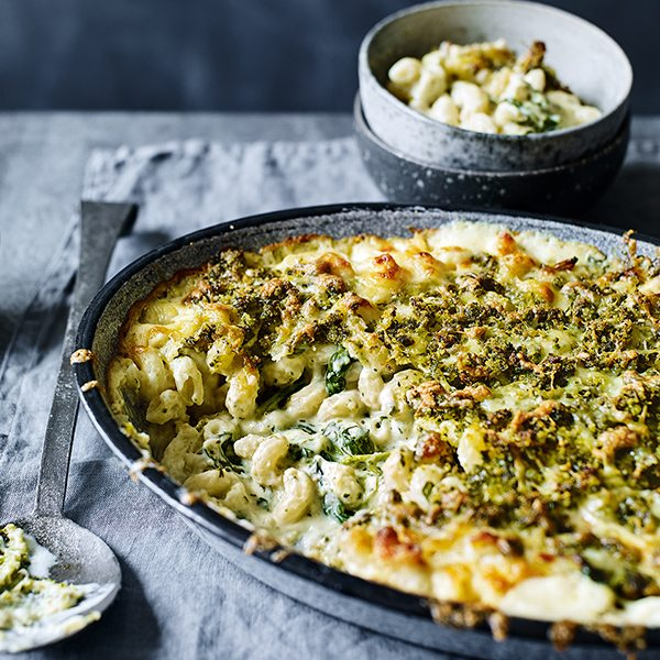 macaroni-cheese-with-spinach-and-pesto-pangratto