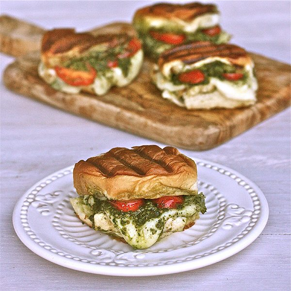 pesto-sliders