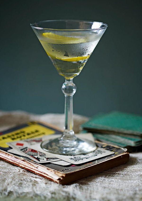1.-Vesper-martini