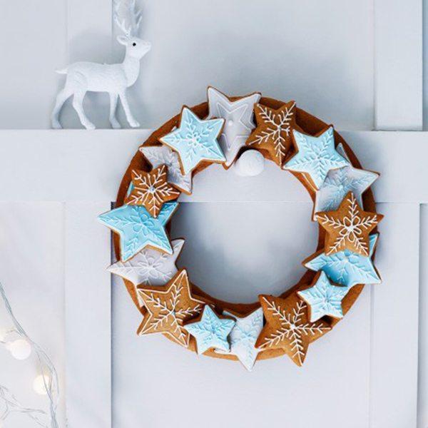 732997-1-eng-GB_edible-star-wreath-470x540