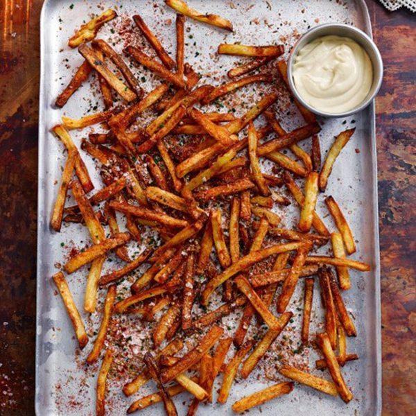 Chips with garlic mayo