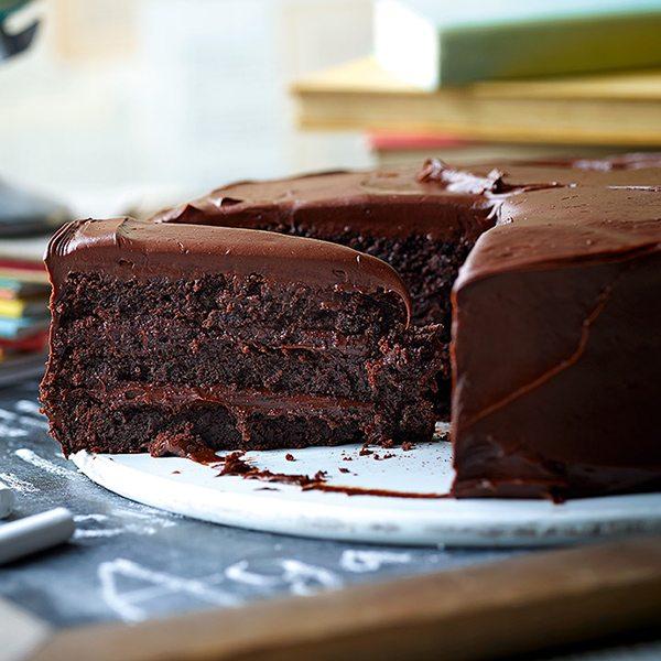 bruce-bogtrotters-cake