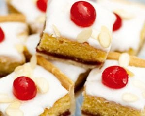 Iced bakewell tart tray bake – video