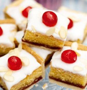 Iced bakewell tart tray bake – video