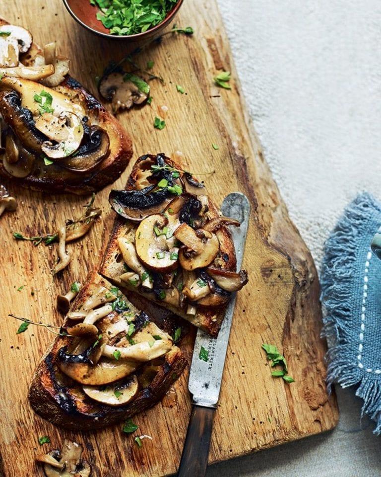 Garlic mushrooms on toast – video
