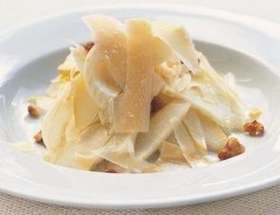 Pear, fennel and walnut salad