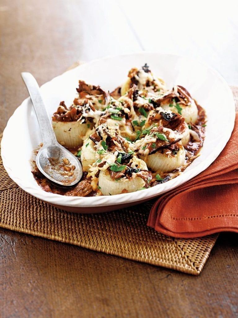 Baked stuffed onions with rich mushroom ragù