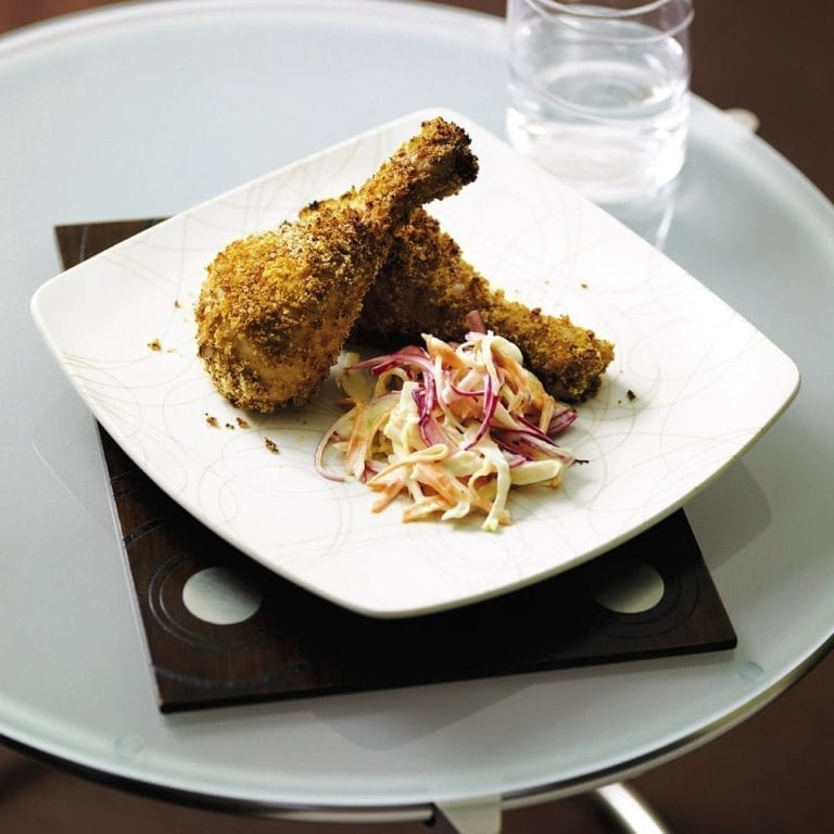Spicy crumbled chicken with coleslaw
