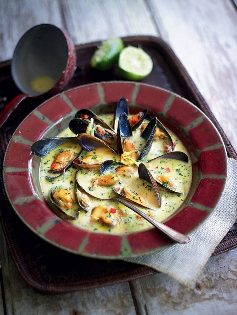 Spiced saffron and mussel soup