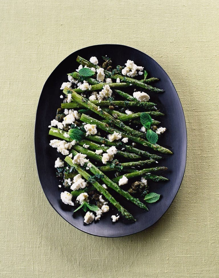Roast asparagus with feta