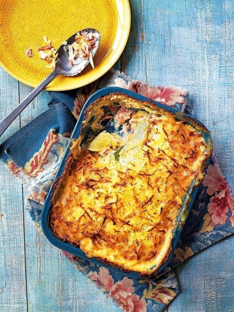 Leek and ham hock gratin with rösti topping