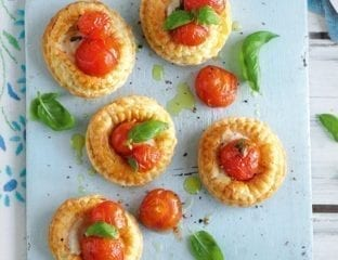 Tomato and mozzarella puffs